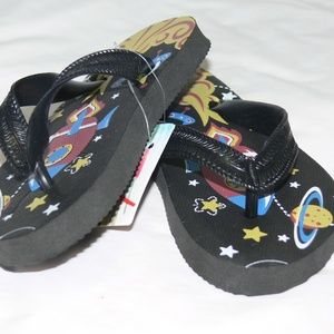 Other - The Universe Boys Slippers 11-12 S\P\CH